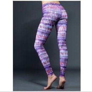 Alo yoga   airbrush leggings